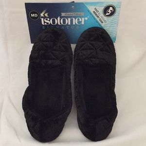 Isotoner Signature black sz 6.5 - 7.5 Slippers